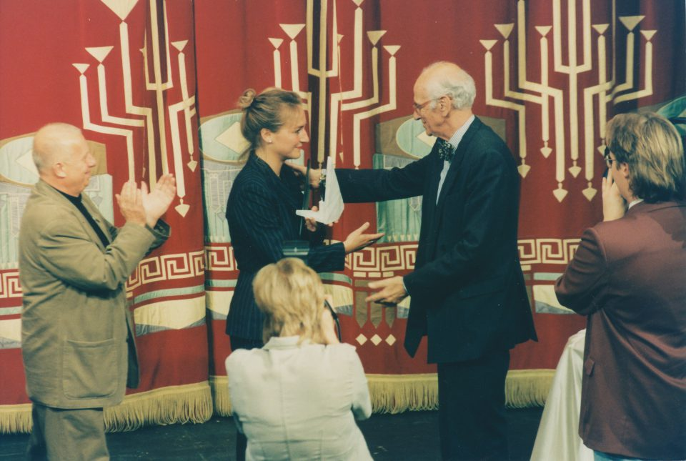 Gesine Forberger und Karl M. Newman bei der ersten Max-Grünebaum-Preisverleihung 1997 Foto: Marlies Kross