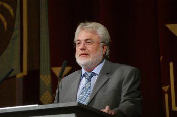 Staatstheater CottbusFestakt zur Verleihung des Max Grünebaum-PreisesProf.Dr.rer.nat.habil. Jürgen Reif Fakultät Mathematik, Naturwissenschaften und Informatik (Laudator)