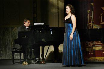 Staatstheater CottbusFestakt zur Verleihung des Max-Grünebaum-Preises  2007Cornelia Zink (Sopran), Frank Bernard (Flügel)