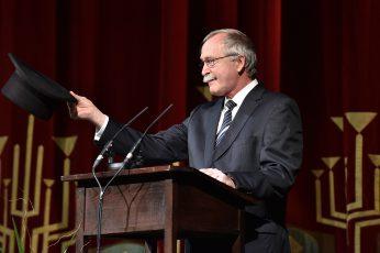 Begrüßung durch Prof. Dr. Claus Lambrecht Vorstandsvorsitzender der Max Grünebaum-Stiftung.