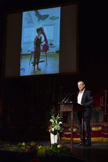 Laudatio Dr. Martin Roeder Geschäftsführender Direktor des Staatstheaters Cottbus und Vorstandsvorsitzender der Brandenburgischen Kulturstiftung Cottbus Staatstheater Cottbus.