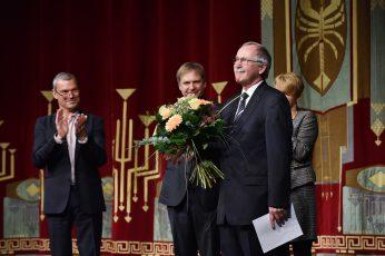 Verleihung der Ehrenmitgliedschaft des Staatstheaters Cottbus (v.l.n.r.): Dr. Martin Roeder, Martin Schüler, Prof. Dr. Claus Lambrecht, Dr. Martina Münch.