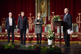 Verleihung der Ehrenmitgliedschaft des Staatstheaters Cottbus (v.l.n.r.): Dr. Martin Roeder, Martin Schüler, Dr. Martina Münch und Prof. Dr. Claus Lambrecht.